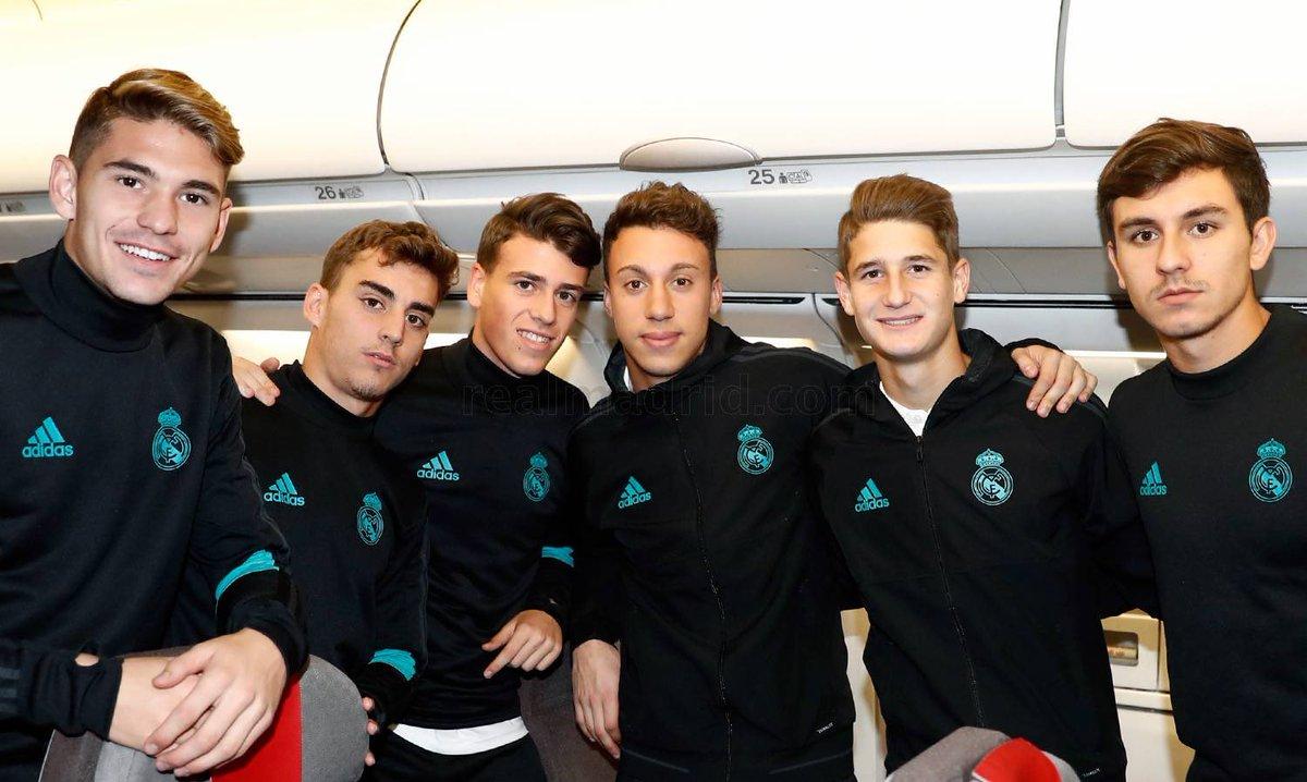 لاعبو فريق الشباب غادروا على نفس الطائرة