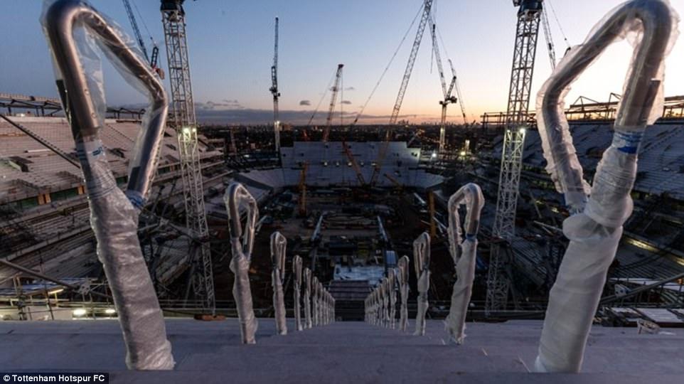 أعمال البناء في ملعب توتنهام (7)