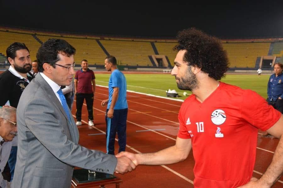 وزير الرياضة فى مران المنتخب (8)