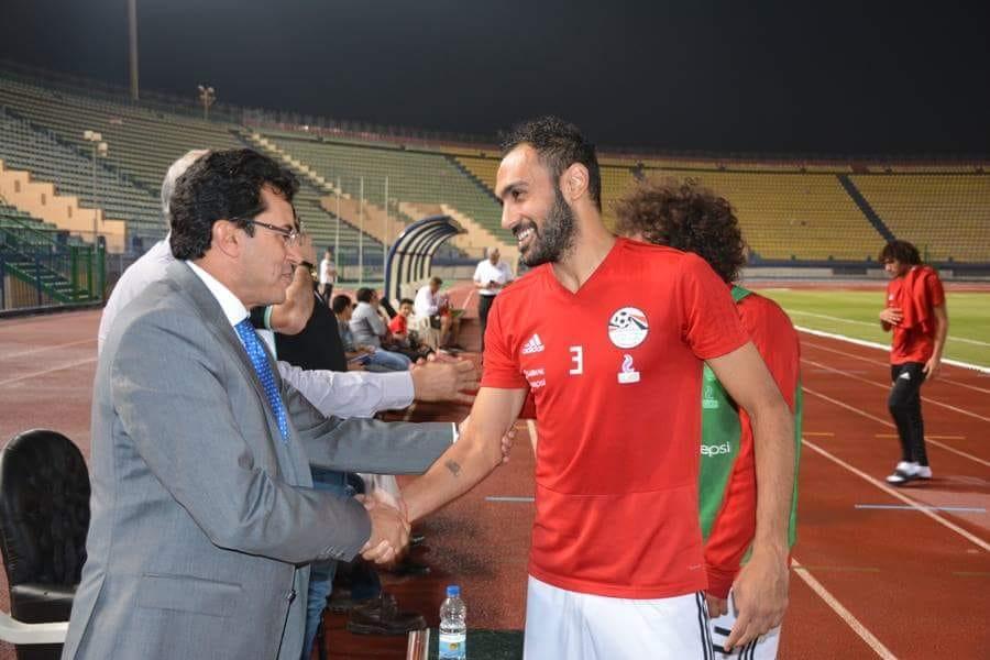 وزير الرياضة فى مران المنتخب (6)