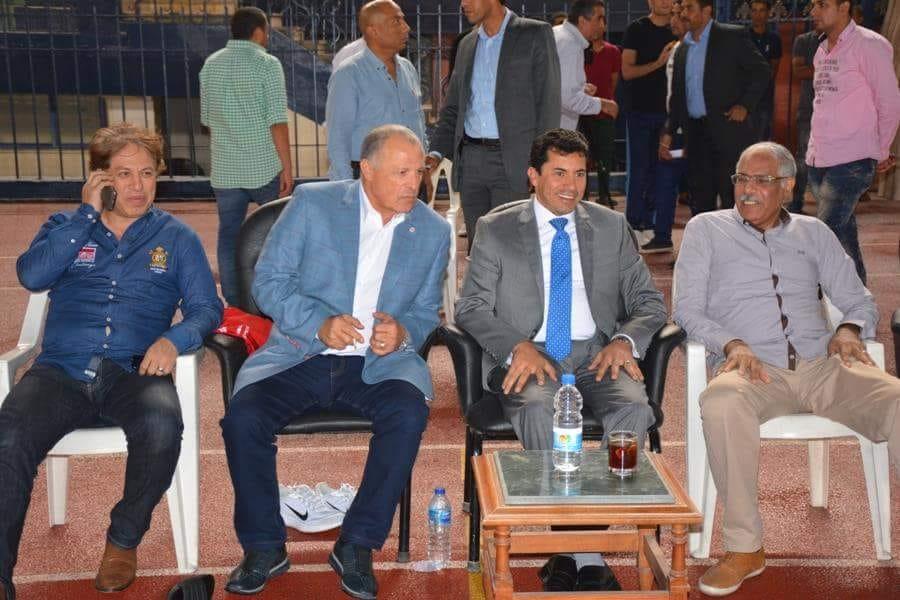وزير الرياضة فى مران المنتخب (5)