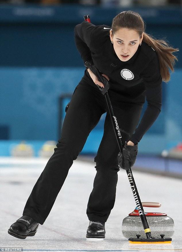أناستازيا  نجمة التوحلق على الجليد فى الأوليمبياد الشتوية