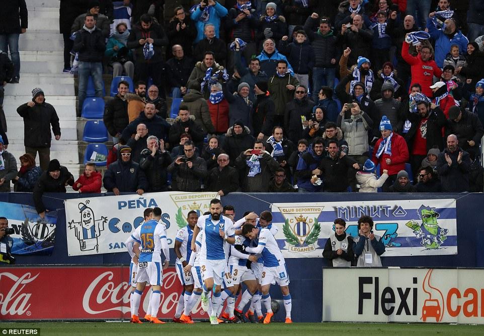 احتفال فريق ليجانيس بالهدف