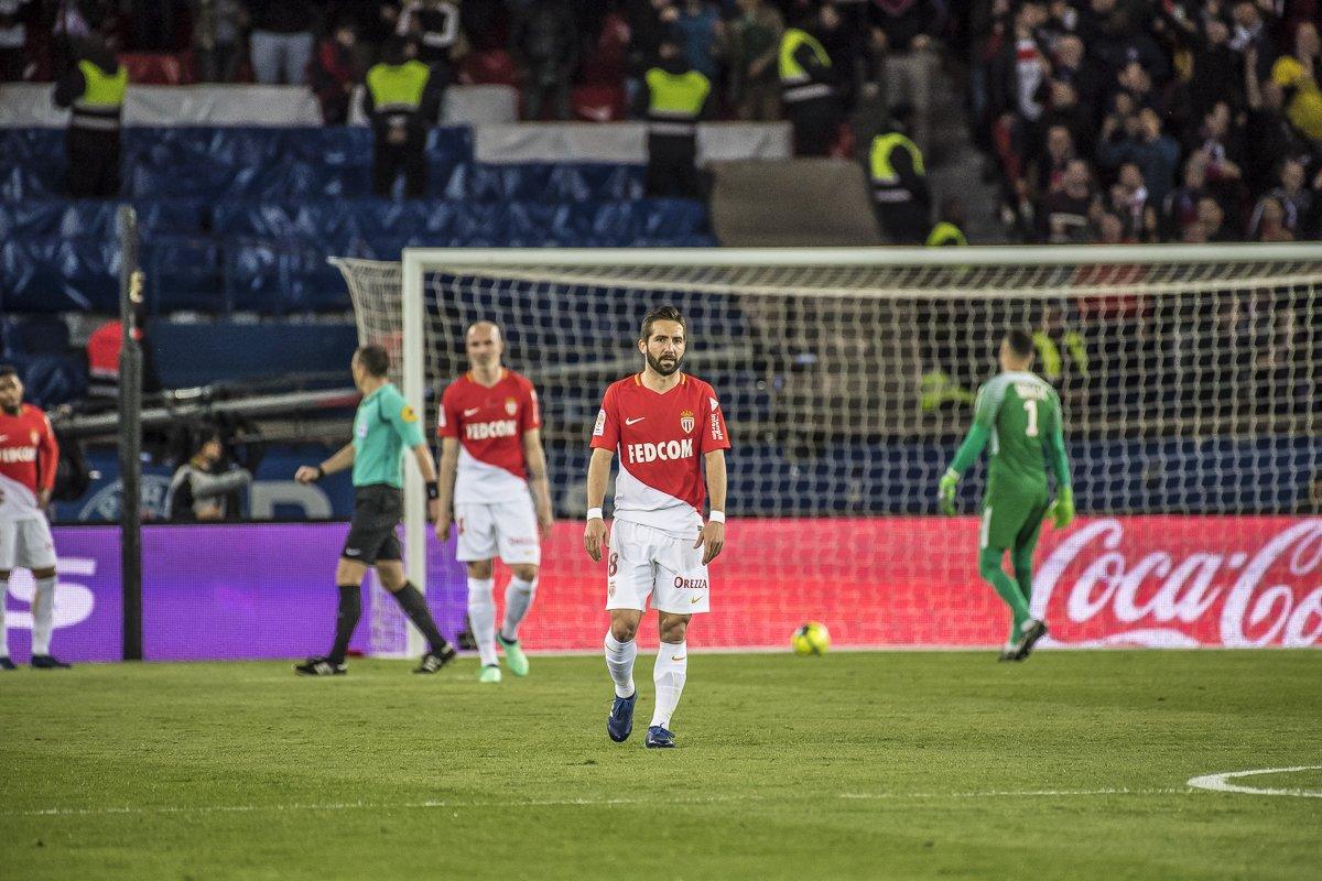 لاعبو موناكو بعد الهدف