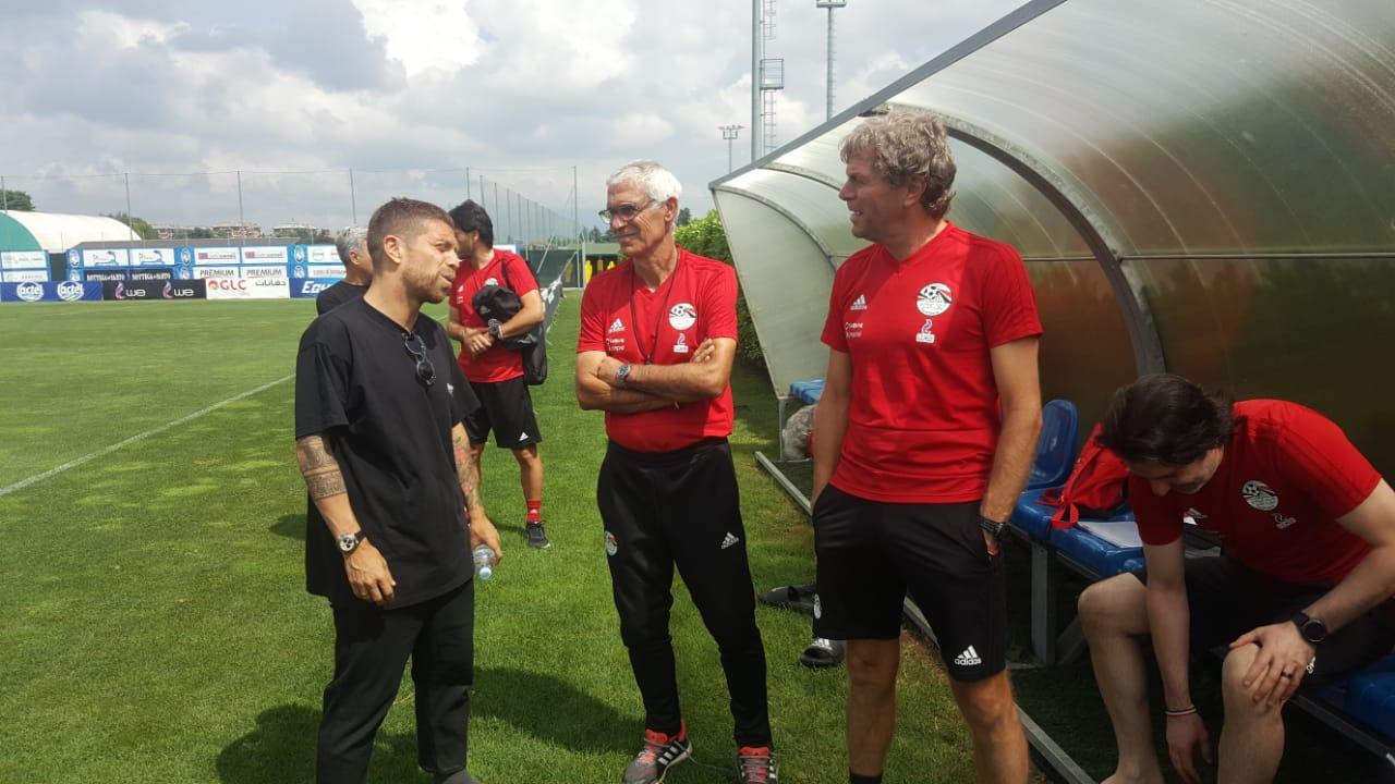 قائد فريق نادي أتلانتا الإيطالي مع كوبر