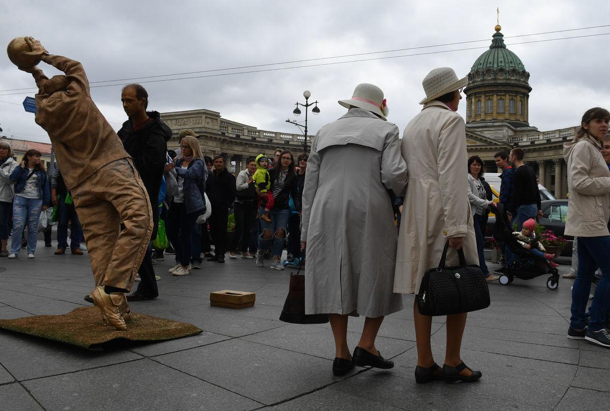 اجواء المباراة بمدينة سانت بطرسبرج