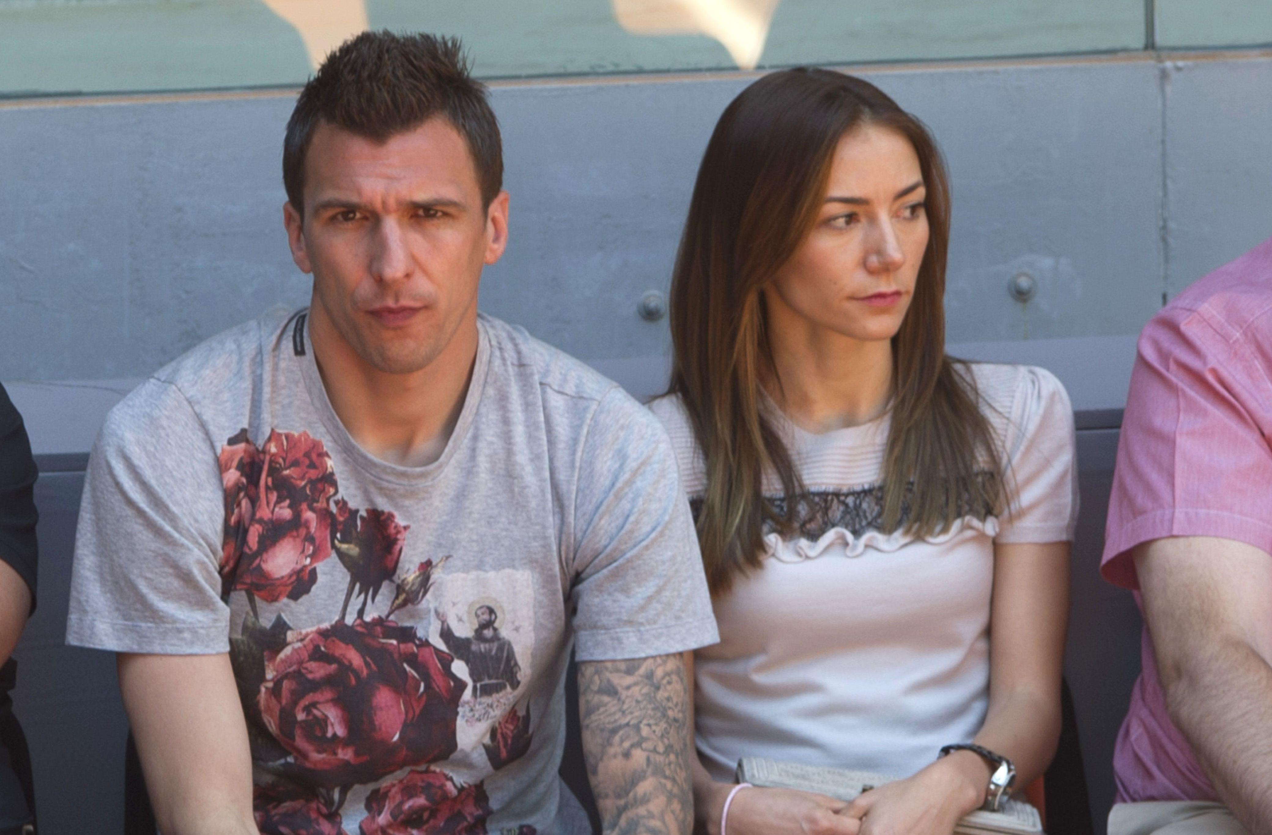 مانزوكيتش وزوجته