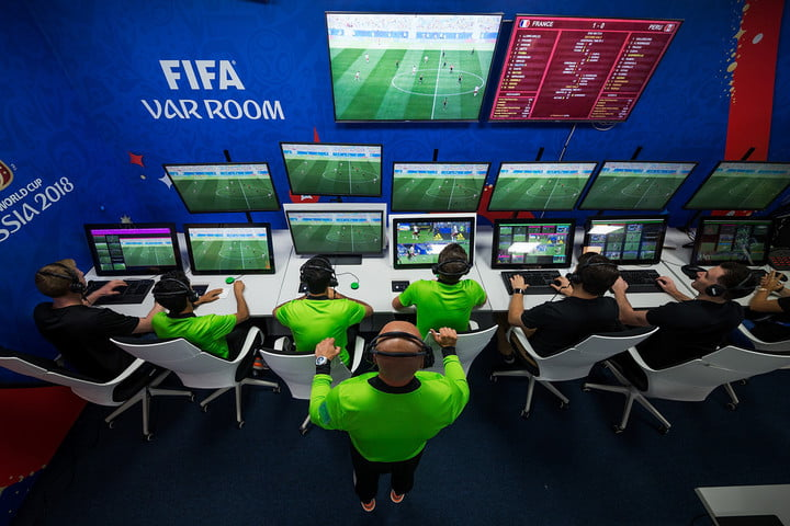 video-assistant-refereeing-var-room-2018-fifa-world-cup-russia-720x720