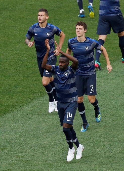 إحماء المنتخب الفرنسى