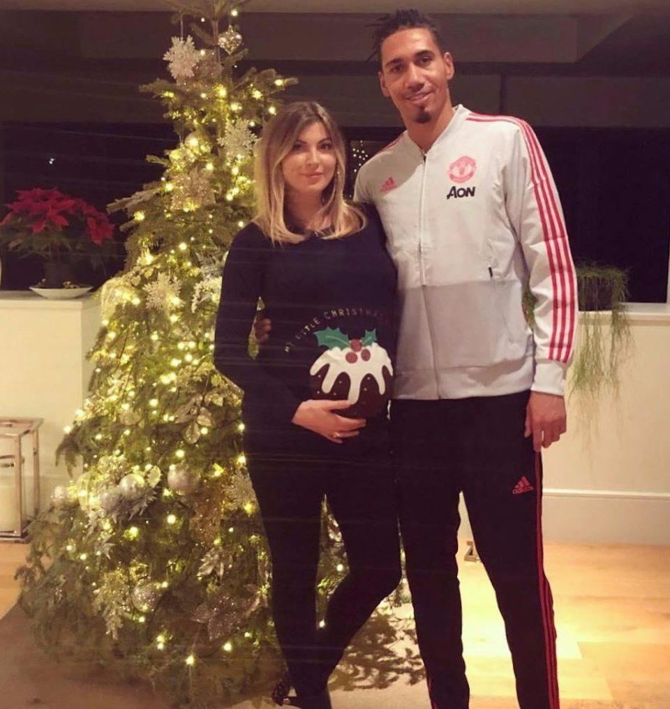 زوجات لاعبو مانشستر يونايتد الحوامل (10)