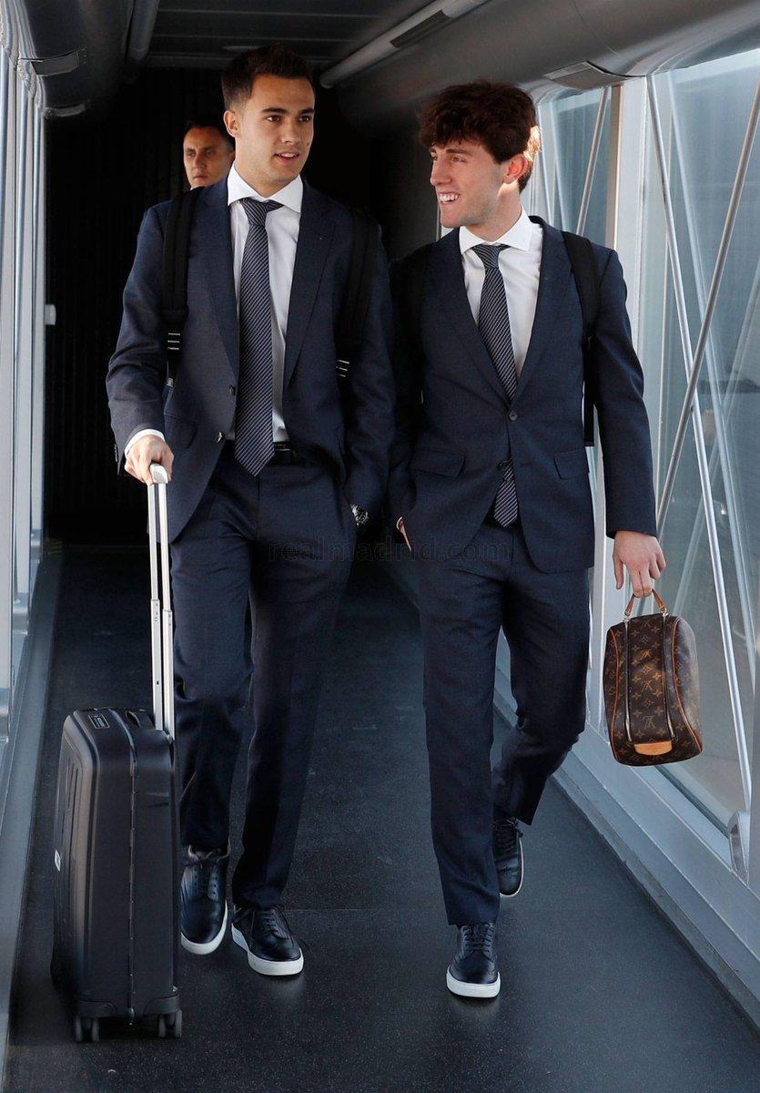 ريال مدريد يطير لمواجهة أياكس بدوري الأبطال (10)