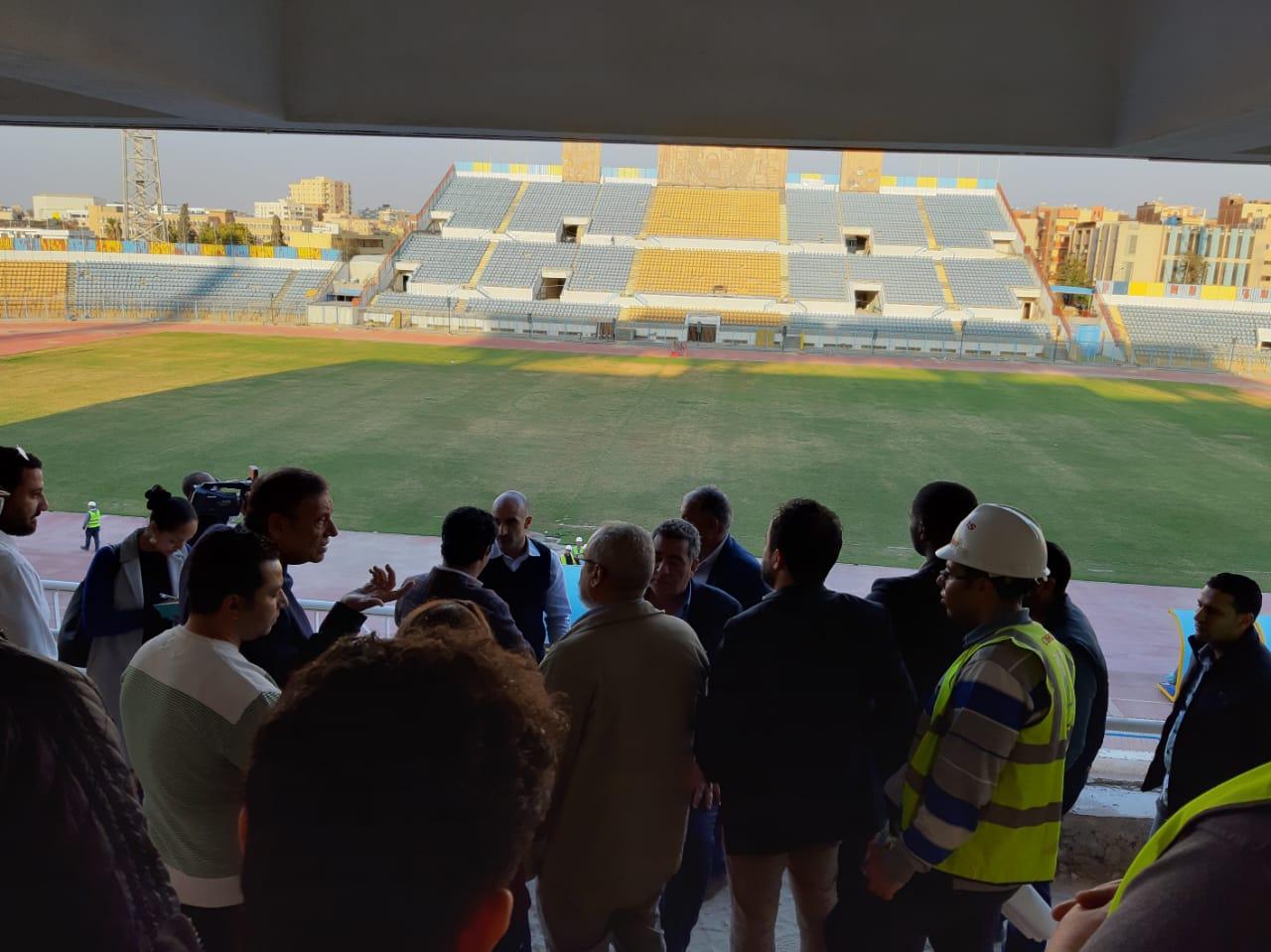 وفد اتحاد الكرة يتفقد ستاد الاسماعيلية (7)