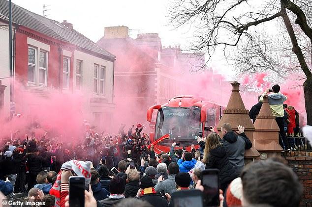 جماهير ليفربول (6)