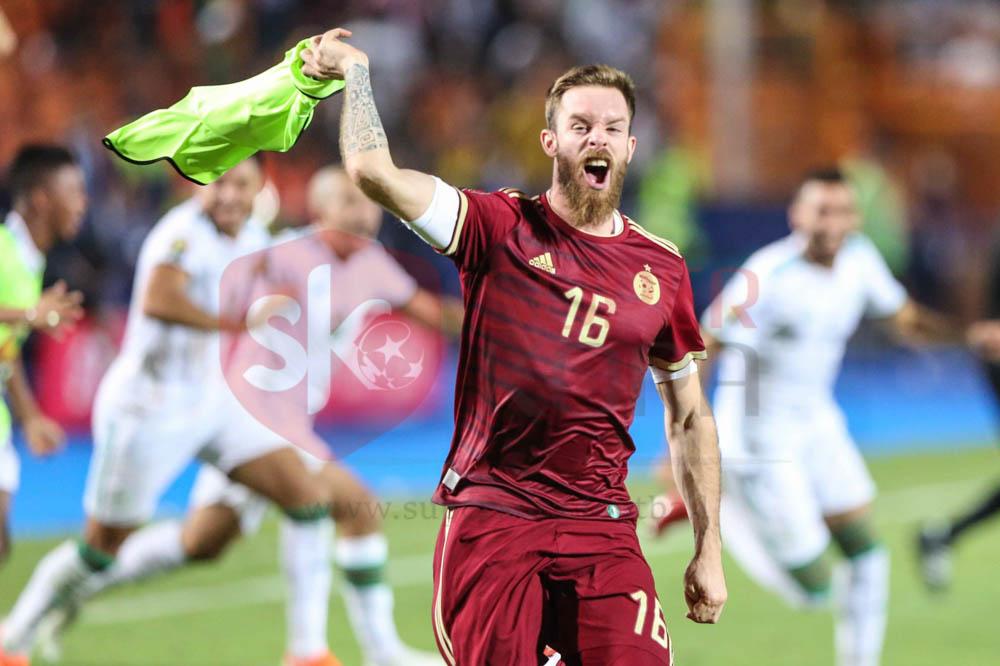فرحة الجزائر بالفوز على السنغال فى نهائى أمم أفريقيا (12)