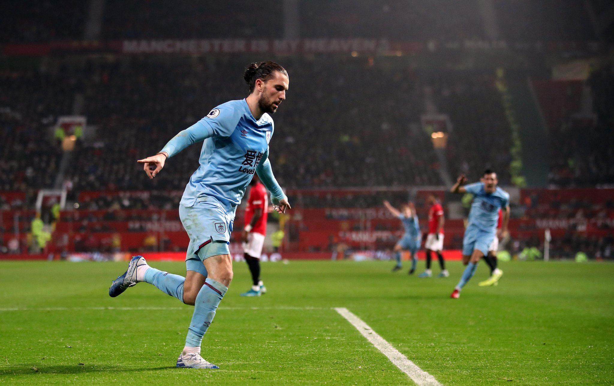 مان يونايتد ضد بيرنلي (5)