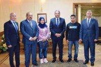 وزير الرياضة مع أبطال رفع الأثقال الأوليمبيين