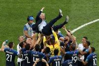 فرحة المنتخب الفرنسى باحراز اللقب
