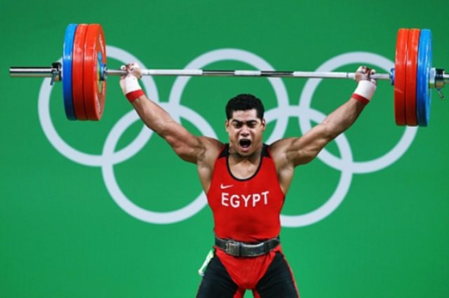 محمد ايهاب بطل رفع الأثقال المصري