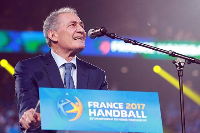 حسن مصطفي رئيس الاتحاد الدولي لكرة اليد