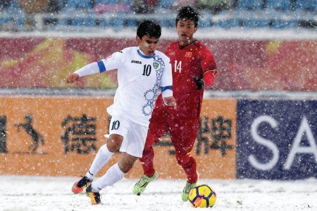 أوزباكستان تفوز على فيتنام 2-1