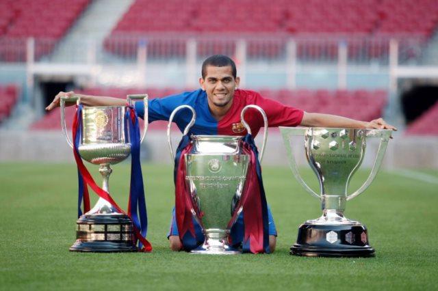 الثلاثية التاريخية عام 2009 مع برشلونة