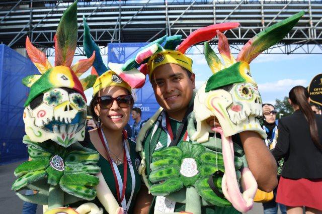 مشجعان مكسيكيان