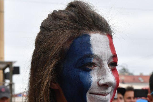 مشجعة فرنسية