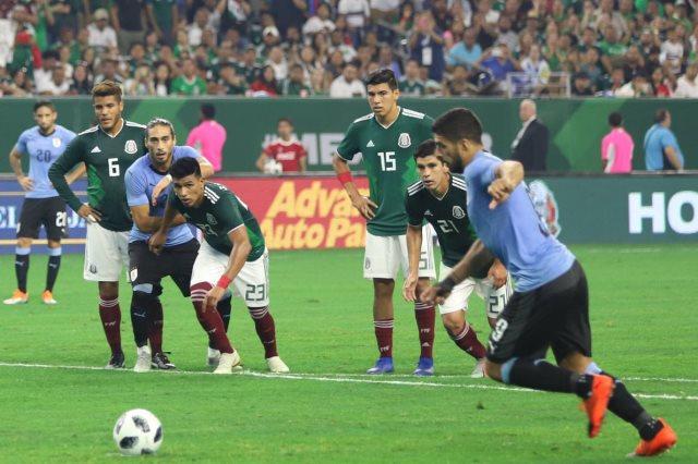 سواريز سجل هدفين
