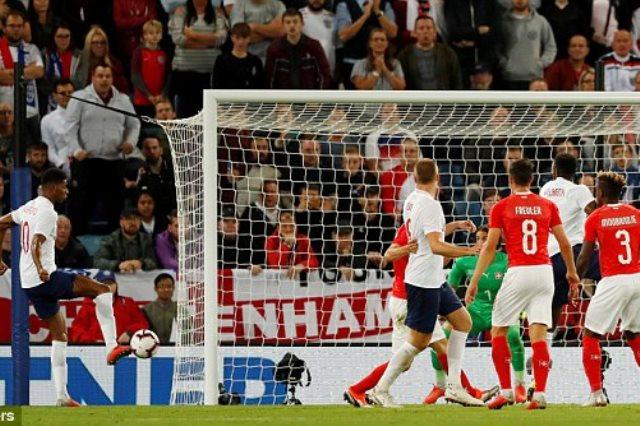 إنجلترا تفوز على سويسرا