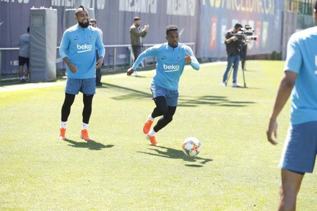 سيميدو فى تدريبات برشلونة