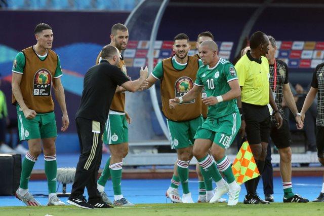 لاعبي الجزائر