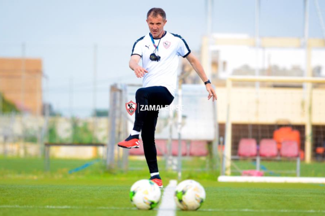 ميتشو يشحن اللاعبين في تدريبات الزمالك قبل مواجهة المقاولون العرب