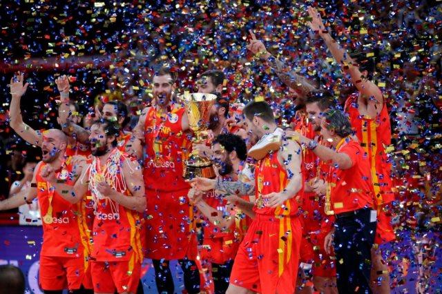 مشاهد من فوز اسبانيا بكأس العالم لكرة السلة