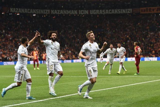 صحف إسبانيا تهلل لتألق كورتوا وانتصار ريال مدريد الأول