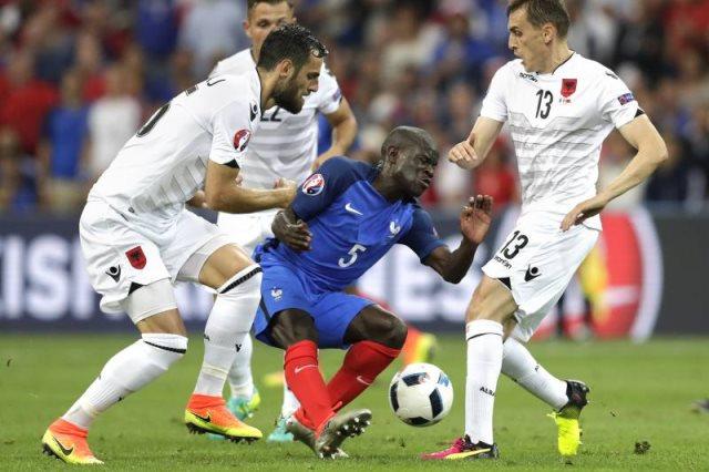 ألبانيا ضد فرنسا