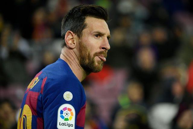 تاريخ ميسي مع برشلونة يرسمها طموح واحد مع 8 مدربين