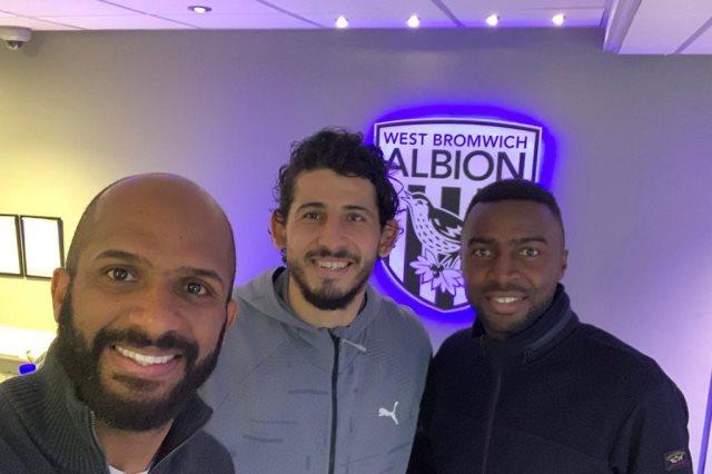 أسامة هوساوي مع مدرب وست بروميتش ألبيون الإنجليزي وأحمد حجازي