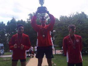 أحمد الجندي لاعب منتخب الخماسي يتوج بذهبية بطولة بلغاريا الدولية