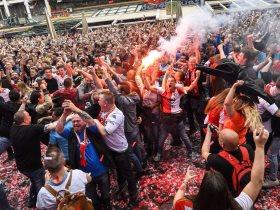 احتفالات جماهير فينورد الهولندي
