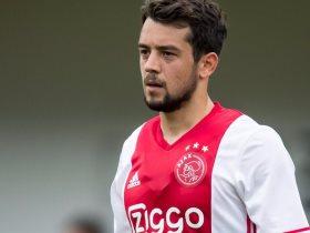 أمين يونس لاعب أياكس أمستردام الهولندي