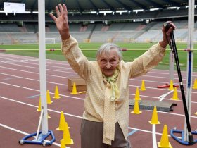 احدي المشاركات في أولمبياد المسنين