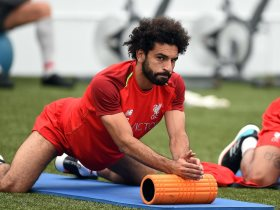 محمد صلاح يخطف الأنظار فى تدريبات ليفربول استعدادا لمواجهة كريستال بالاس