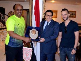 سفير مصر بالكويت و بعثة الزمالك