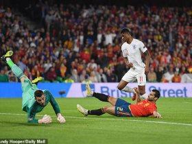 انجلترا تلقن اسبانيا 3 أهدافا فى الشوط الأول بدورى الأمم الأوروبية .. صور وفيديو