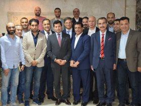 .وزير الشباب والرياضة يجتمع مع فريق عمل مشروع الألف محترف