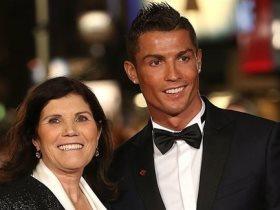 والدة رونالدو: كريستيانو أنقذ يوفنتوس من الهبوط