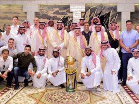 أبطال النصر مع أمير الرياض