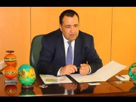 معاذ حجى، سكرتير عام الاتحاد الأفريقي لكرة القدم