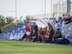 لماذا تجاهل أحمد الشيخ تحية مدربه بعد هدف التعادل أمام بورت كاونتى