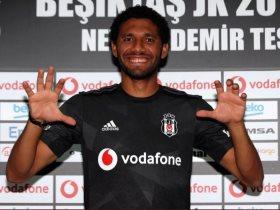 محمد النني: سعيد بالدوري التركي وأتمنى البقاء في بشكتاش